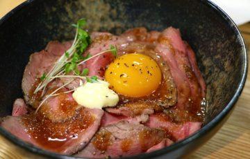 ローストビーフ丼 Apron Kitchen & Deli
