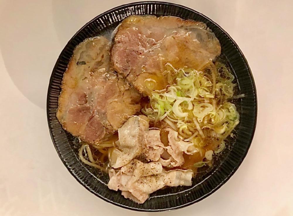 「2種類のチャーシュー麺」 800円