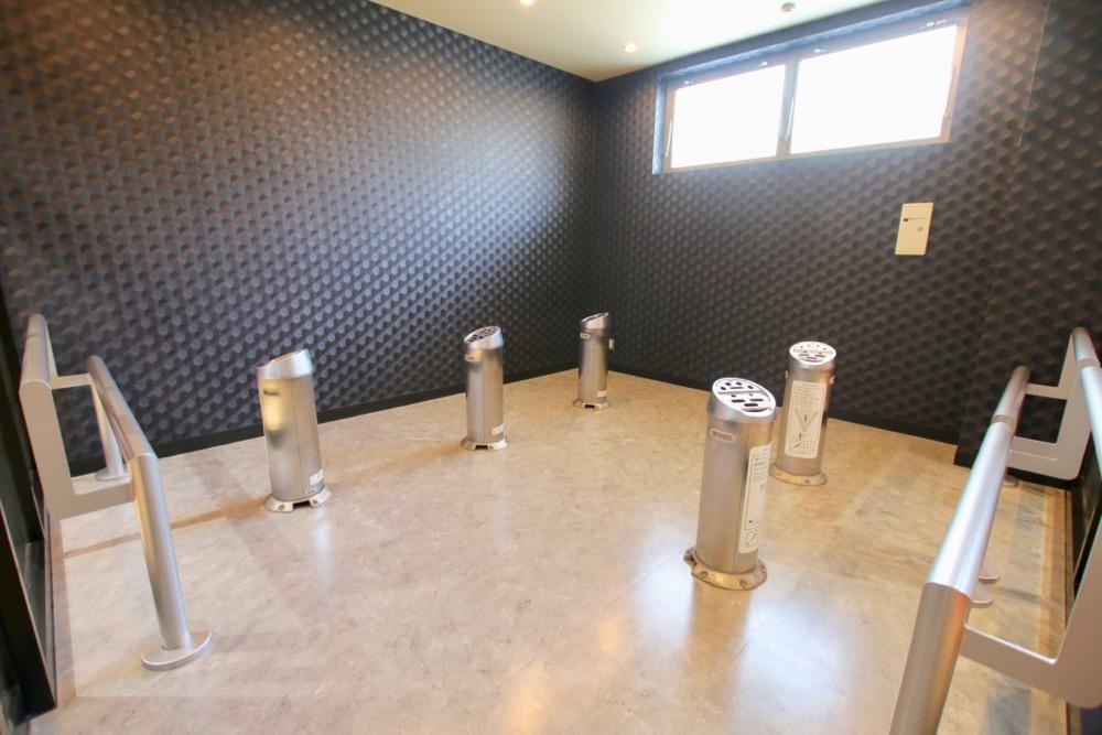 1階フロアの喫煙所