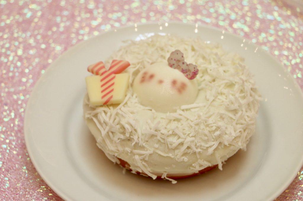 ハローキティのホワイトリース♡ドーナツ(600円)