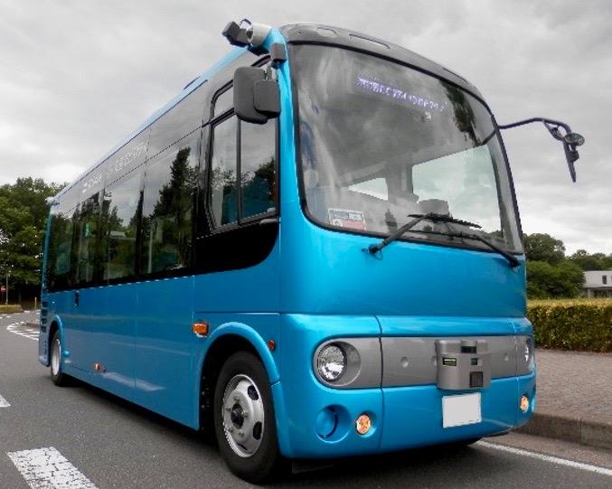 多摩ニュータウンにて自動運転バスの実証実験(日野自動車製小型バス「ポンチョ」をベースとした自動運転実験車両)