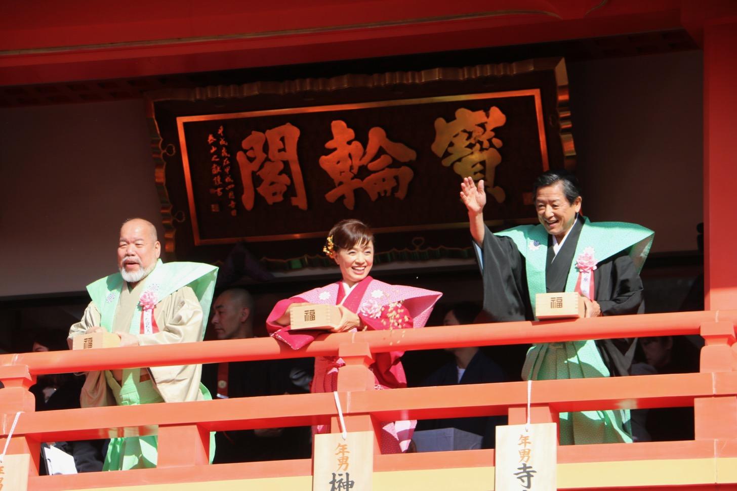 左からつのだ☆ひろさん、榊原郁恵さん、寺泉憲さん
