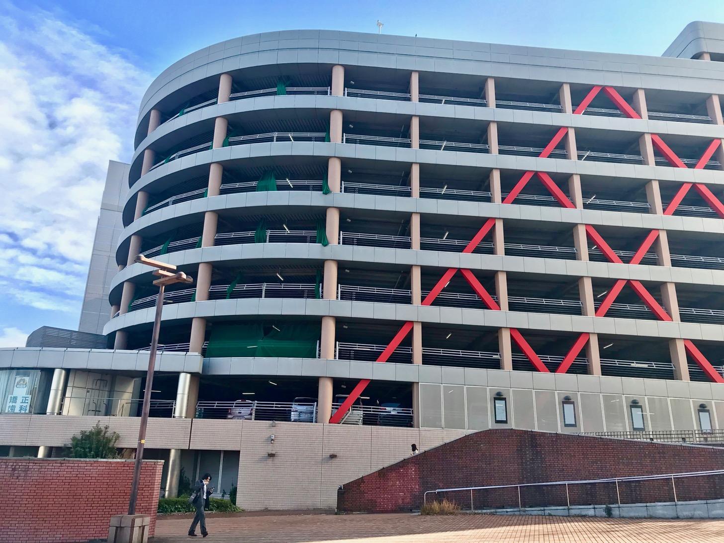 多摩センター中央第1駐車場(785台)