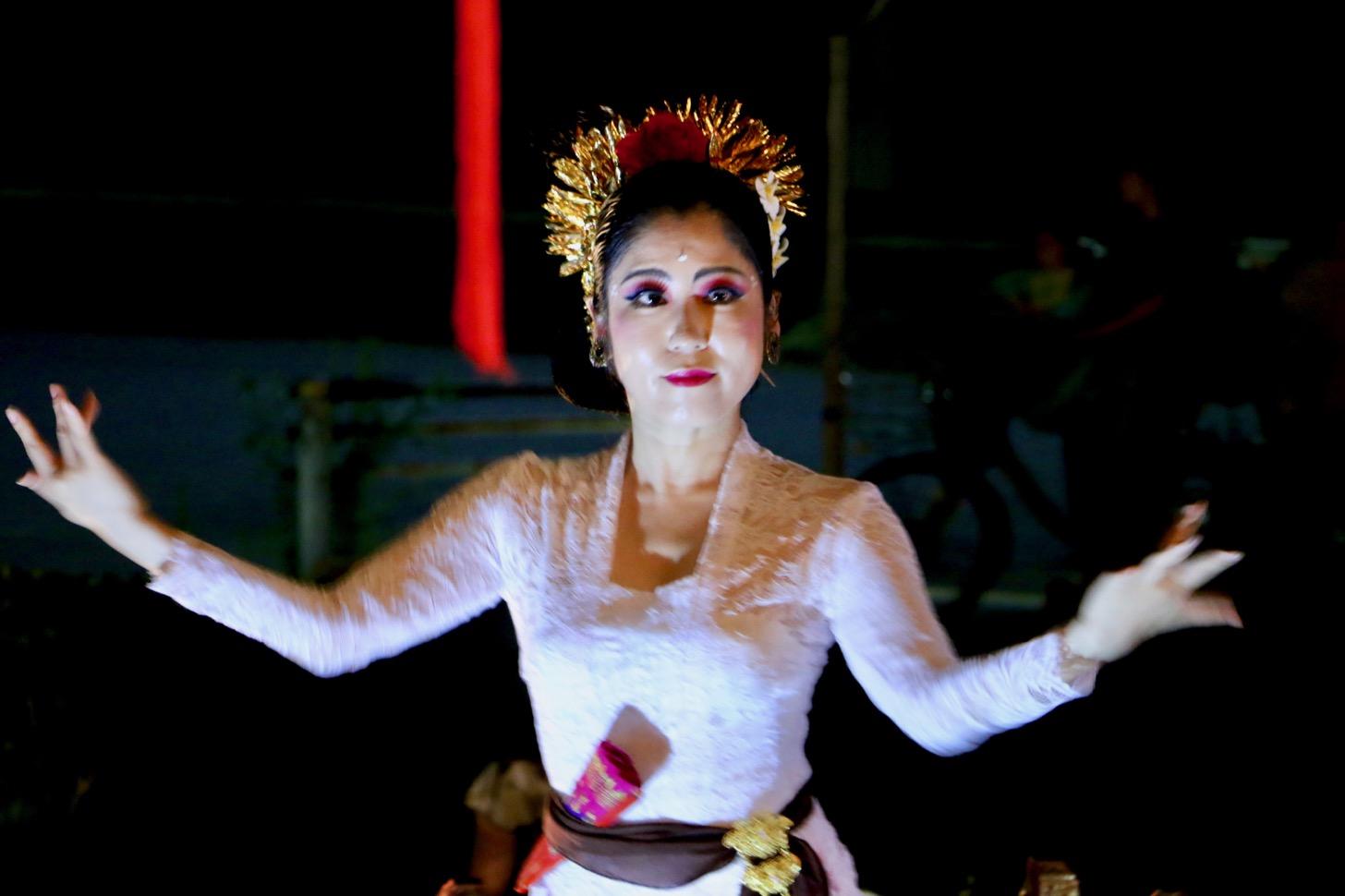 J Smile多摩八角堂のランタンフェスティバル2019 インドネシアの伝統舞踏