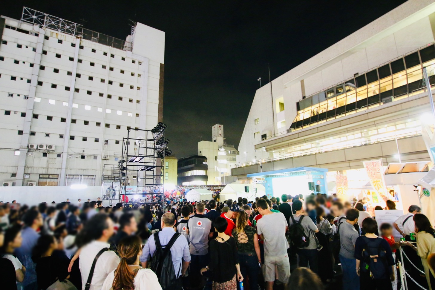 【ラグビーワールドカップ2019パブリックビューイング】調布駅前広場「ファンゾーン in 東京」屋外ステージ