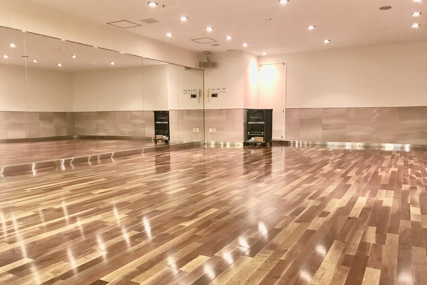 ゴールドジム聖蹟桜ヶ丘 床暖スタジオ