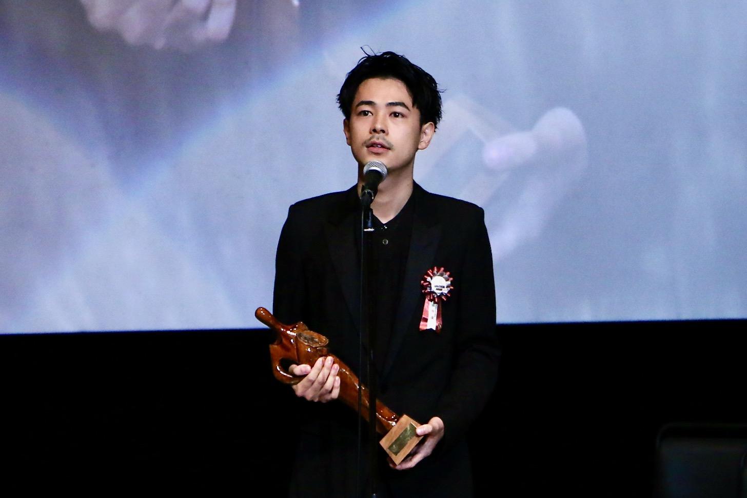 成田凌さん 第11回TAMA映画賞授賞式(C)多摩ポン