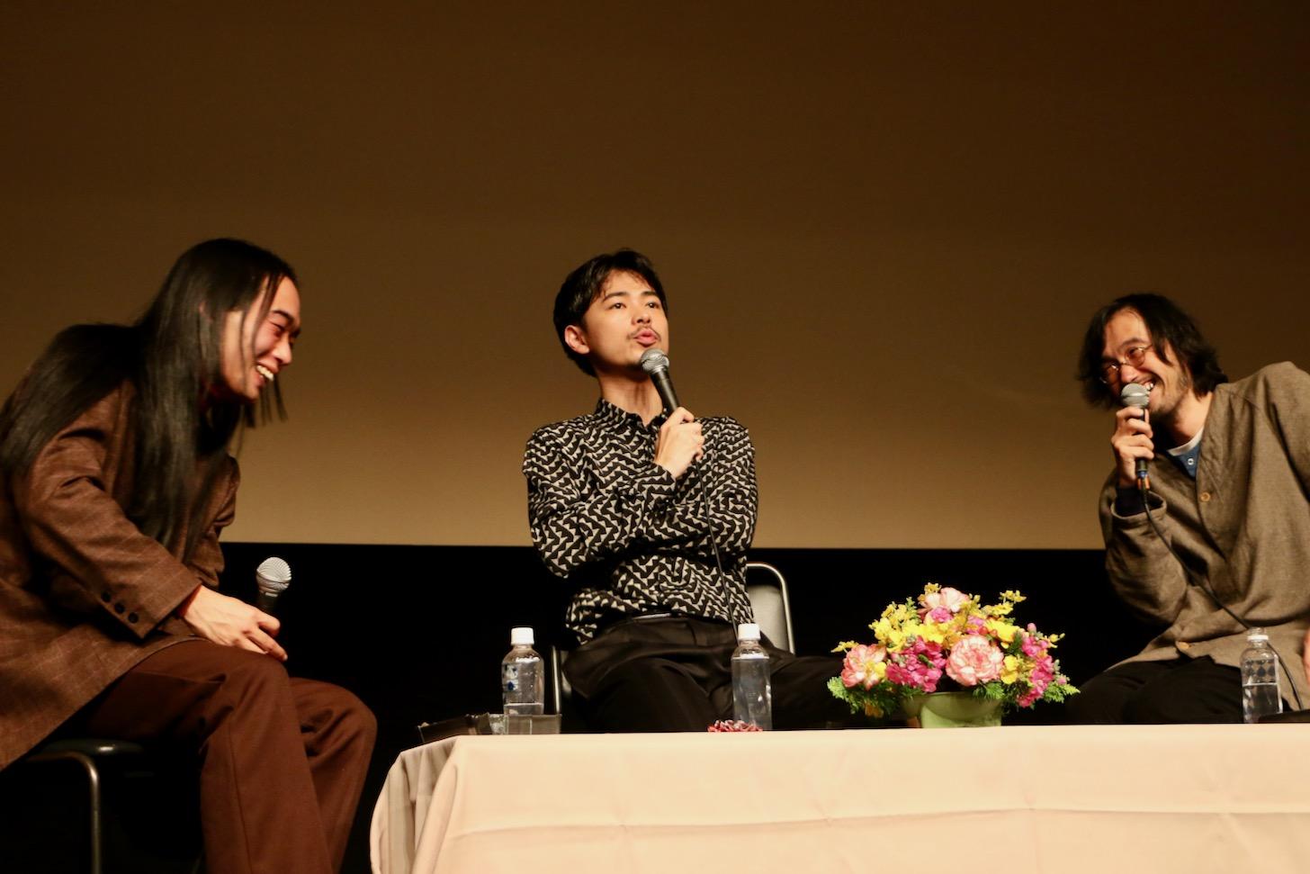 成田凌さんと今泉力哉監督、写真家の木村和平さんによるトークショー 第29回映画祭TAMA CINEMA FORUM(C)多摩ポン