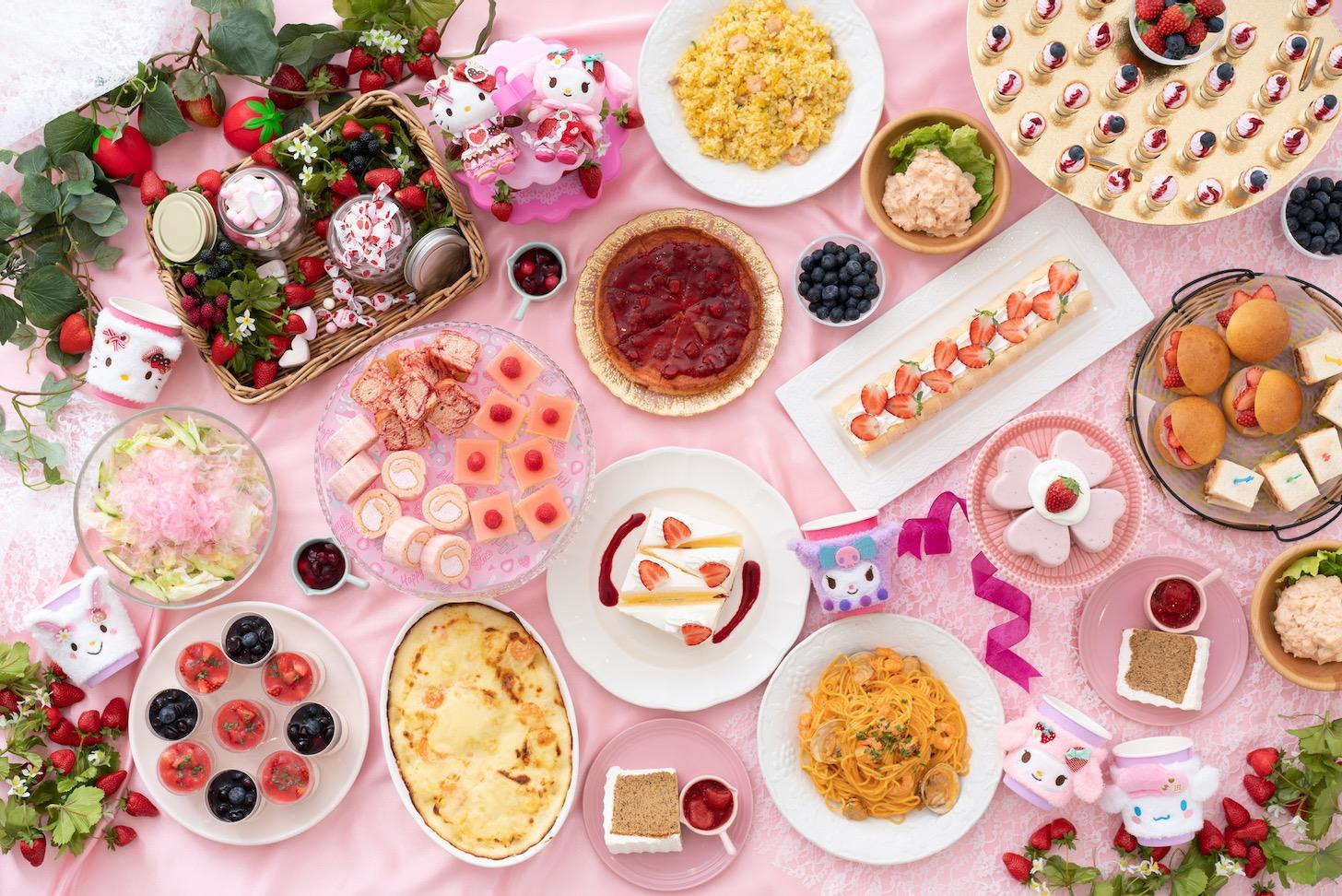 「館のレストラン」では、ベリーやチョコレートをテーマとしたスイーツビュッフェが開催
