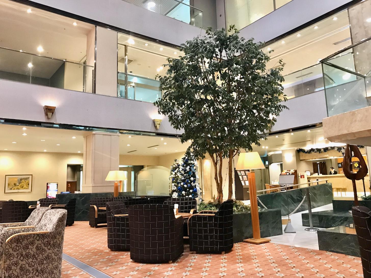 京王プラザホテル多摩2階にある「ロビーラウンジ<デュエット>」