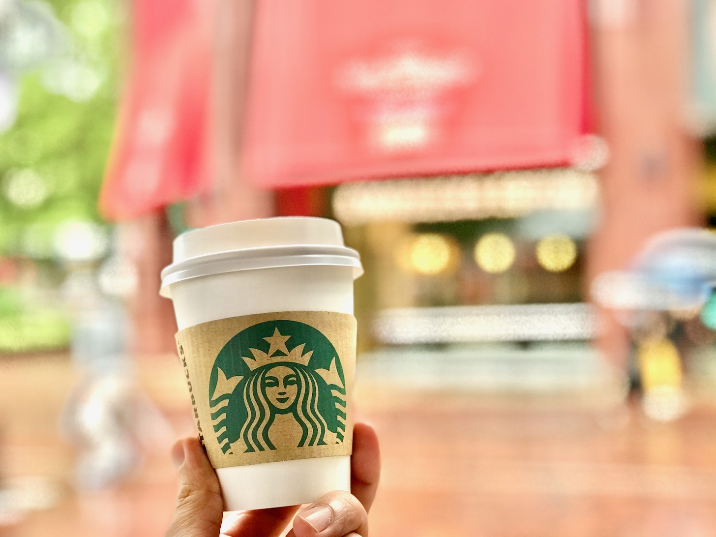 「スターバックスコーヒー ココリア多摩センター店」はテイクアウトのみの営業