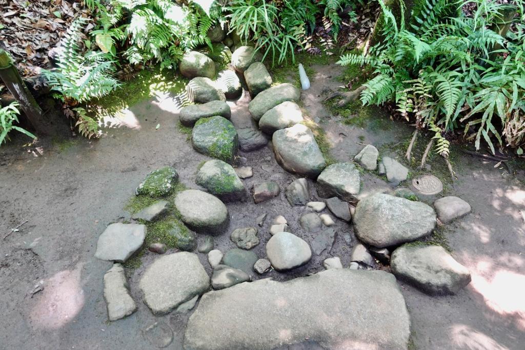 多摩センターの遺跡庭園「縄文の村」湧水