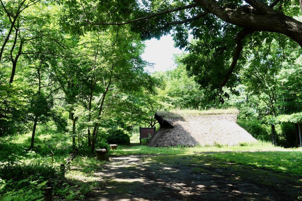 多摩センターの遺跡庭園「縄文の村」