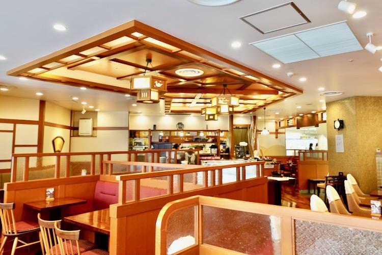 椿屋カフェ 聖蹟桜ヶ丘店 店内