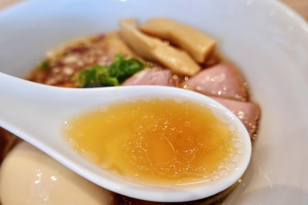 らぁ麺はやし田 多摩センター店の数量限定 特製のどぐろそばスープ