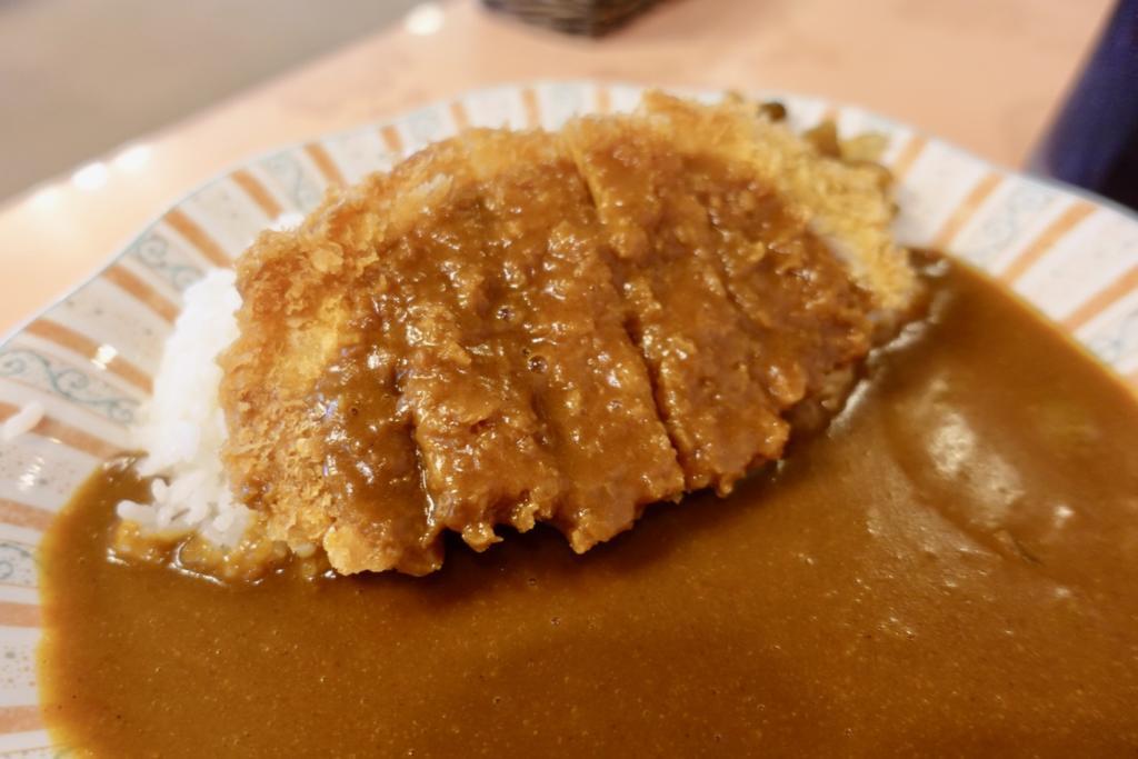 レストラン神谷で「カツカレー」800円 コーヒー付き