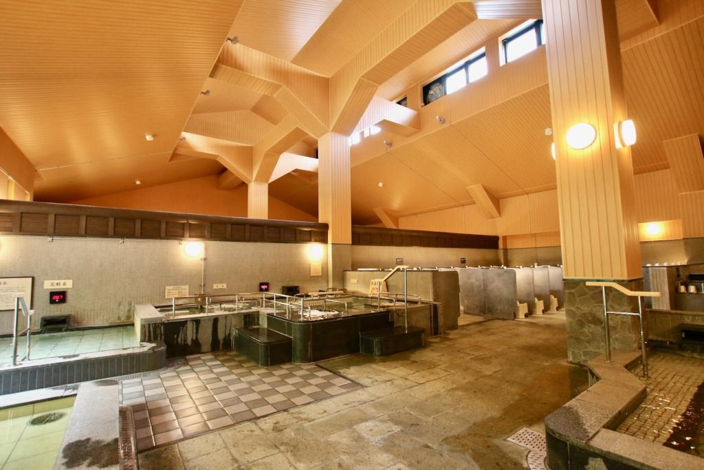 多摩境天然温泉「森乃彩」5種類の屋内風呂(男湯)