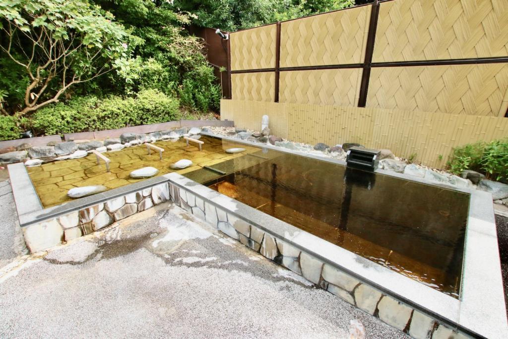 多摩境天然温泉「森乃彩」露天風呂「仙楽の湯」「くつろぎの湯」