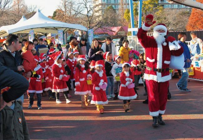 以前の「クリスマスキッズパレード」の様子