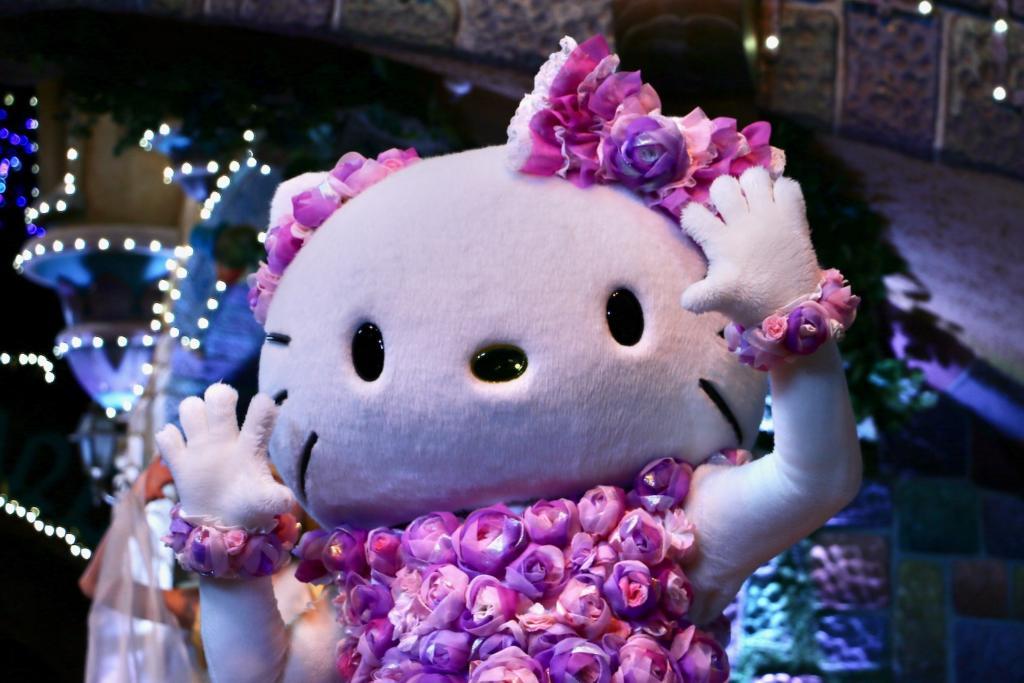 サンリオピューロランド「Hello, New World ~虹を、つなごう~」ハローキティ