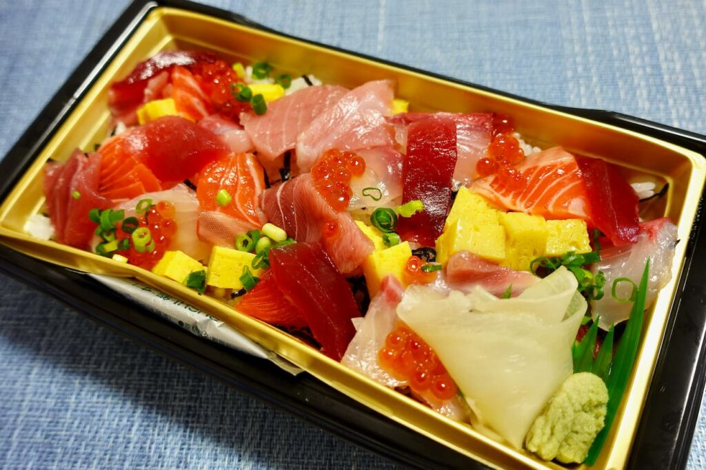 あっぱれ日本海鮮ちらし