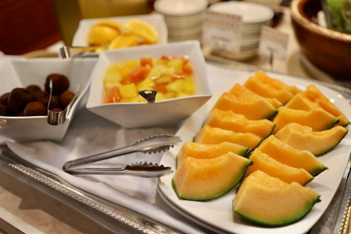 メロンなどのフルーツ各種
